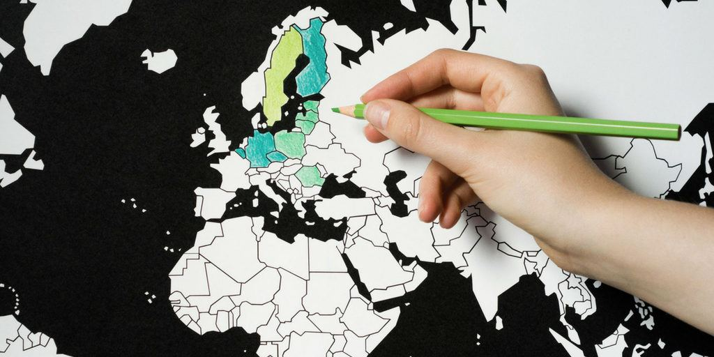 Travel Gifts for her - coloring in map