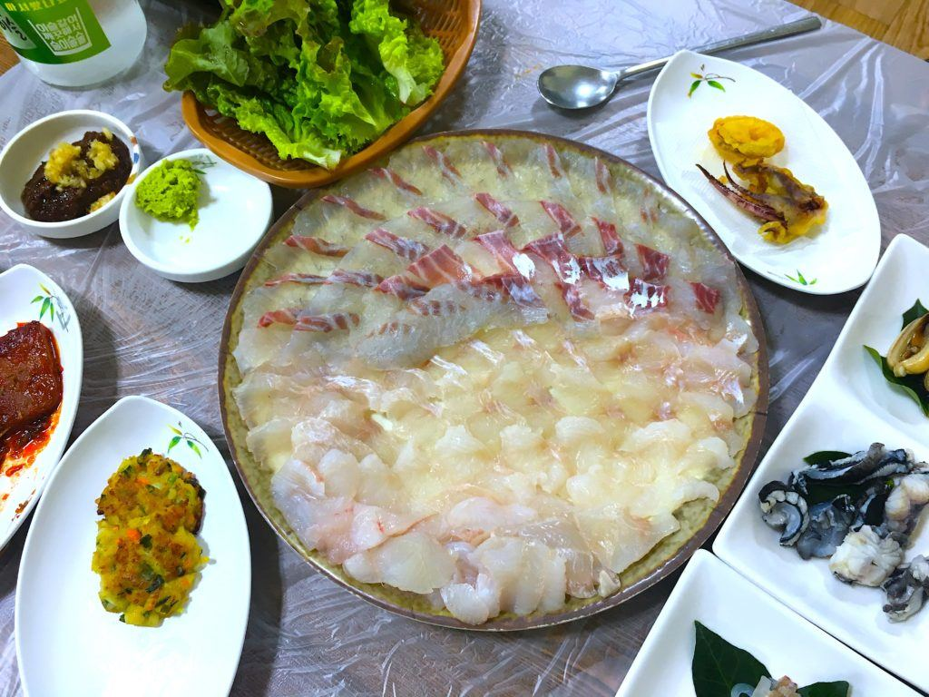 What to eat in Seoul - sashimi