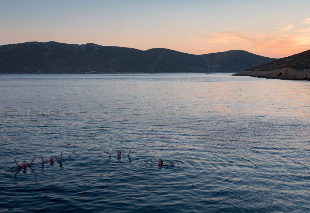 Greek Island Hopping Itinerary: Best Greek Island Hopping Routes: Sunset Swim @ Pserimos