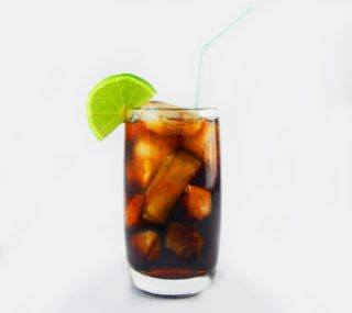 Cuban Drinks / Cuban Cocktails / The History Of The Mojito & Daiquiri: The Cuba Libre Drink